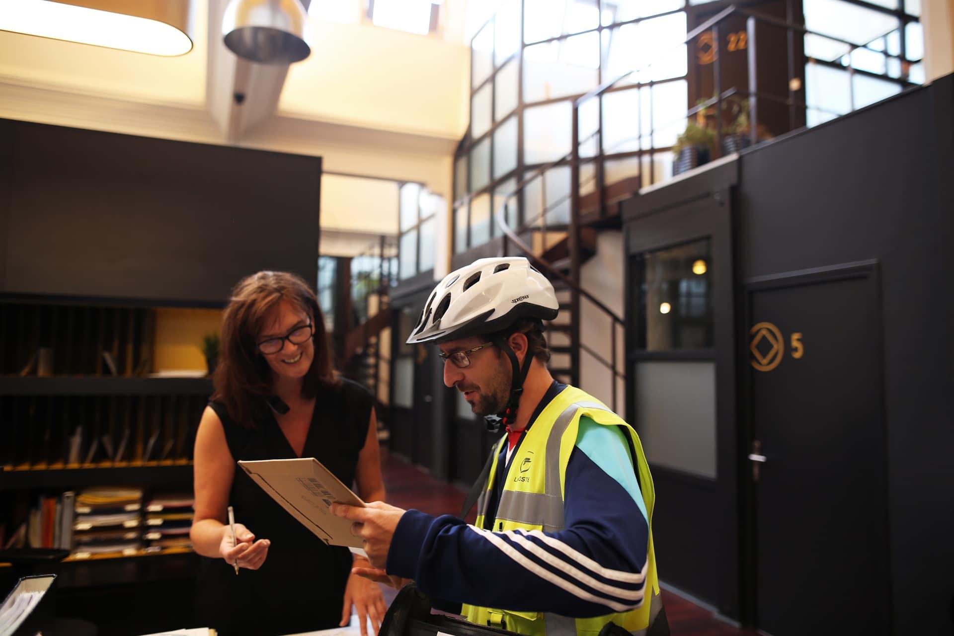 Espace de travail Be Square : secrétariat externalisé Roubaix, domiciliation d'entreprise, permanence téléphonique et bureau virtuel